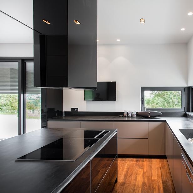 kuhinja l kuhinje tom lam. Black Bedroom Furniture Sets. Home Design Ideas